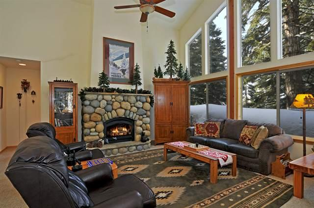 4br Tahoe Donner Family Home WiFi, Private Hot Tub, vacation rental in Truckee