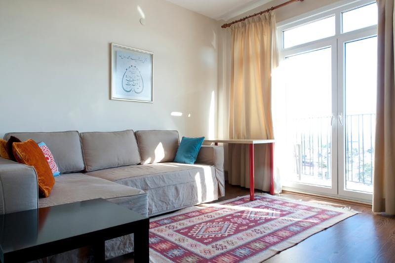Aslan Apartments Sea View Family Suite, holiday rental in Istanbul