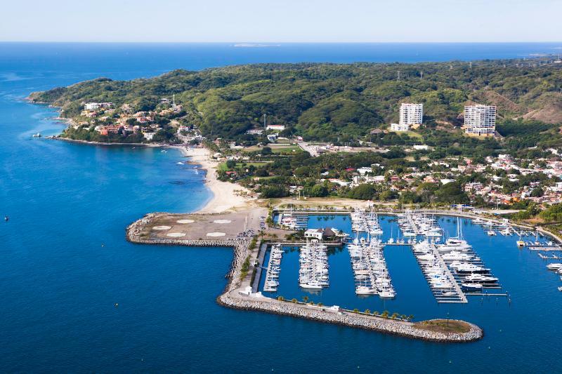 Vista de Alamar y Marina La Cruz de Huanacaxtle