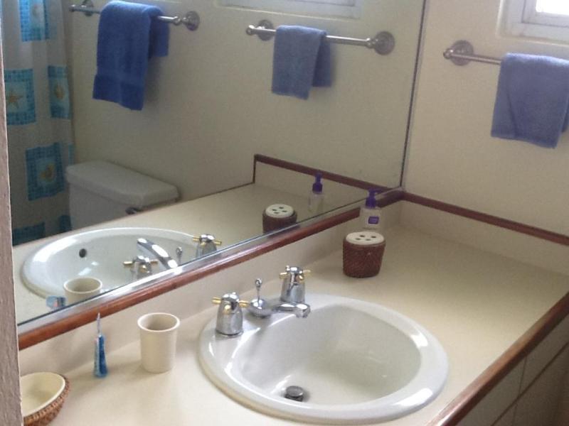 2nd room bathroom