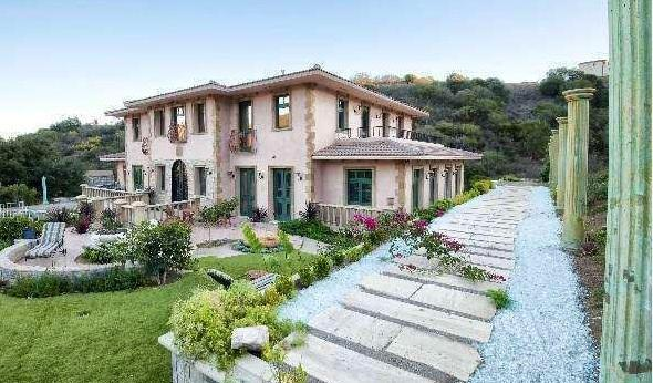 Malibu Private Gated  Italian Tuscany Villa w/View, 31 nights or More, holiday rental in Malibu