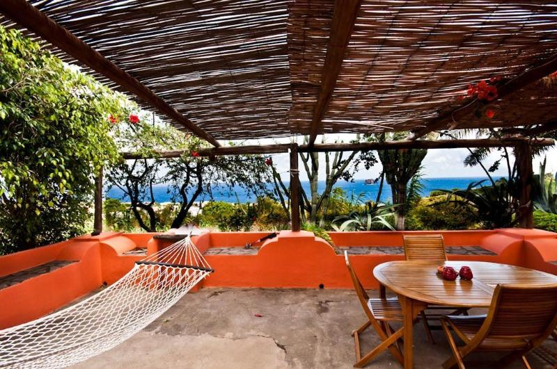 beauty privacy and nature at CASA DANI in Stromboli, holiday rental in Stromboli