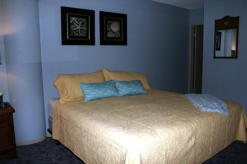 Dormitorio (cama King)