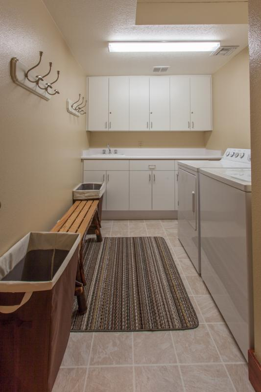 Laundry Room ( Off Kitchen/Living Room)
