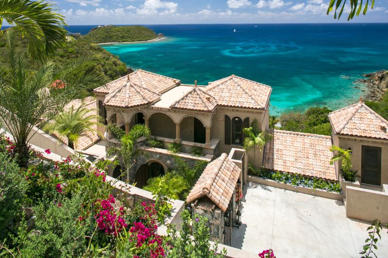 Most Popular Couple and Family Villa 4 Equal King Master's & 5th Kids BR Full AC, vacation rental in Virgin Islands National Park