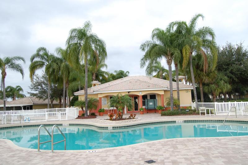 A Premier Vacation Spot - Lake Marion Golf Resort, vacation rental in Poinciana