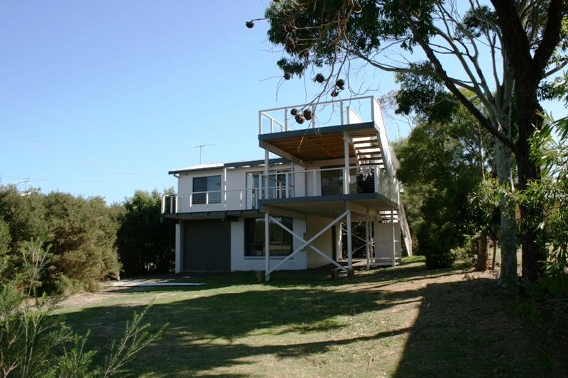 Double decks and plenty of land for a kick of the footy or a game of cricket