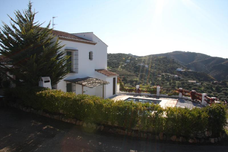 Casas de Cantoblanco 1, villa rental Lake Vinuela, alquiler vacacional en Viñuela