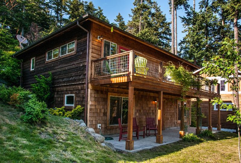 Beautiful Family-Friendly, Ocean View in Eastsound, vacation rental in Eastsound