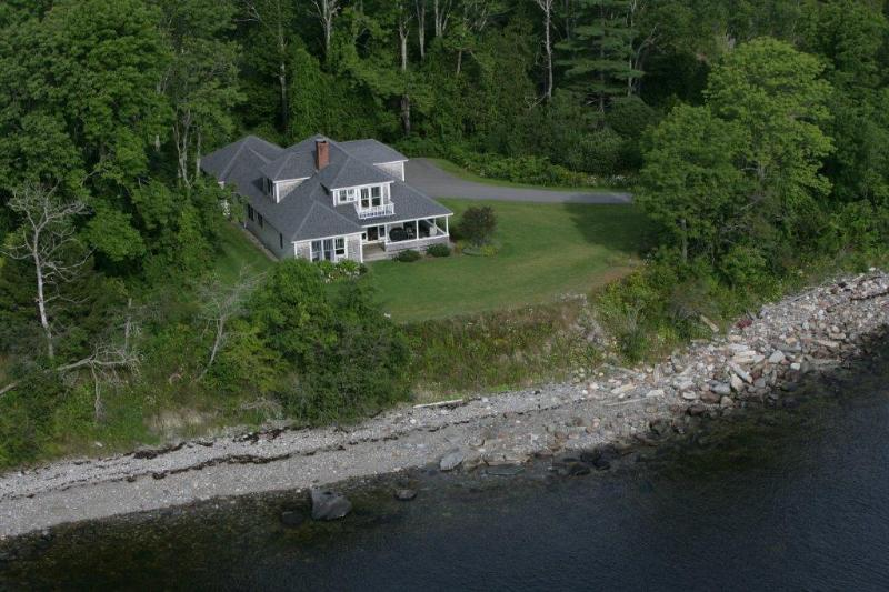 Breezeway Cottage on the Coast... with Camden & Belfast Nearby. Vacation Living at Its Best!