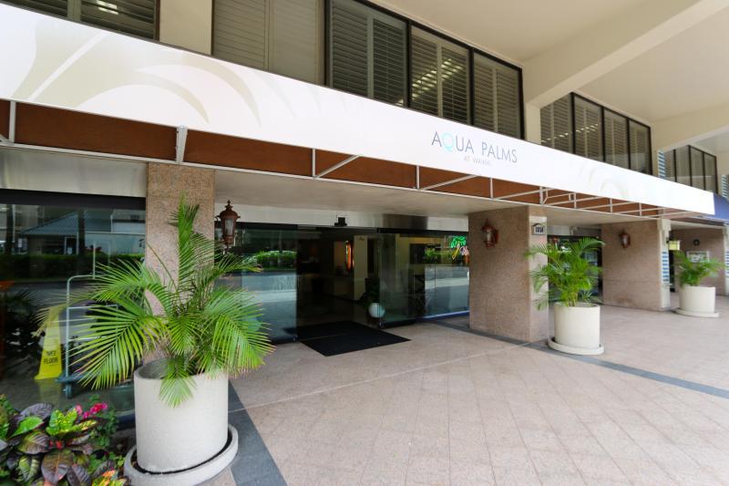 Aqua Palms entrance