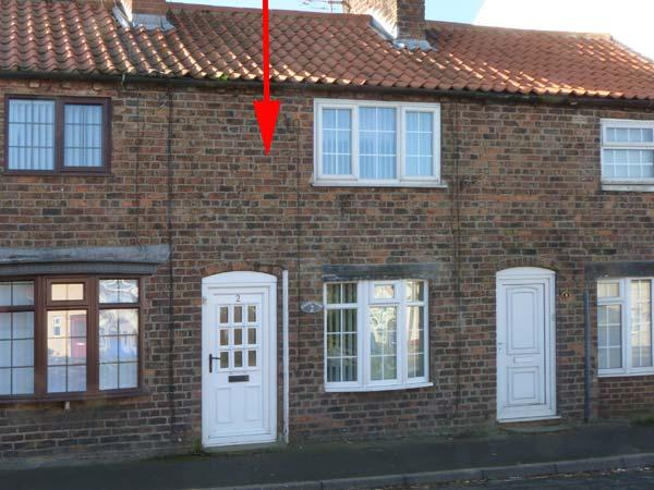 CHANDLER COTTAGE, pet friendly, enclosed garden, open fire, in Skipsea, Ref, holiday rental in Barmston