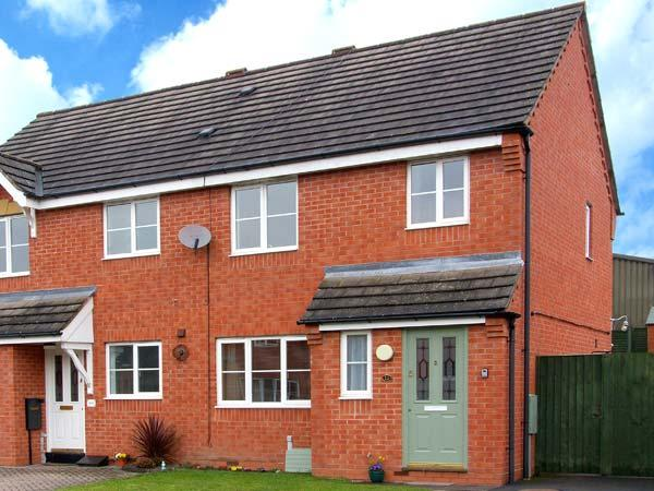 10 FRIARS FIELD, town centre cottage, cosy accommodation, great touring base, location de vacances à Ludlow