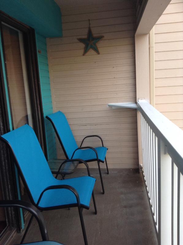Balcony oversized chairs