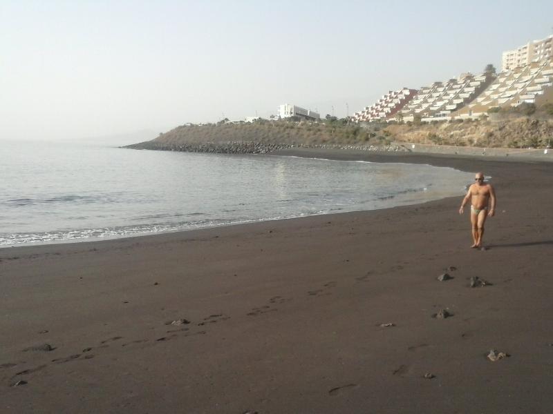 protected beach, 2 minutes walking (Playa La Nea)