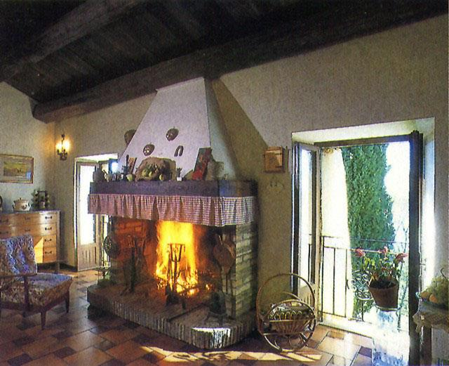 Indipendent farmhouse with a breathtaking view over river Paglia's valley., vakantiewoning in Torre Alfina