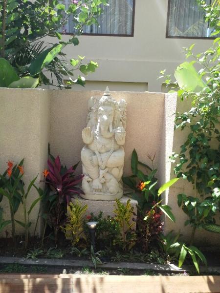 Ganesha, solvant des obstacles, vous accueille aussi bien
