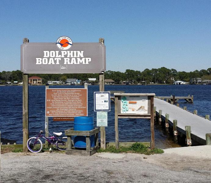 Public boat loading area
