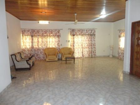 2 BEDROOM HOUSE, vacation rental in Achimota