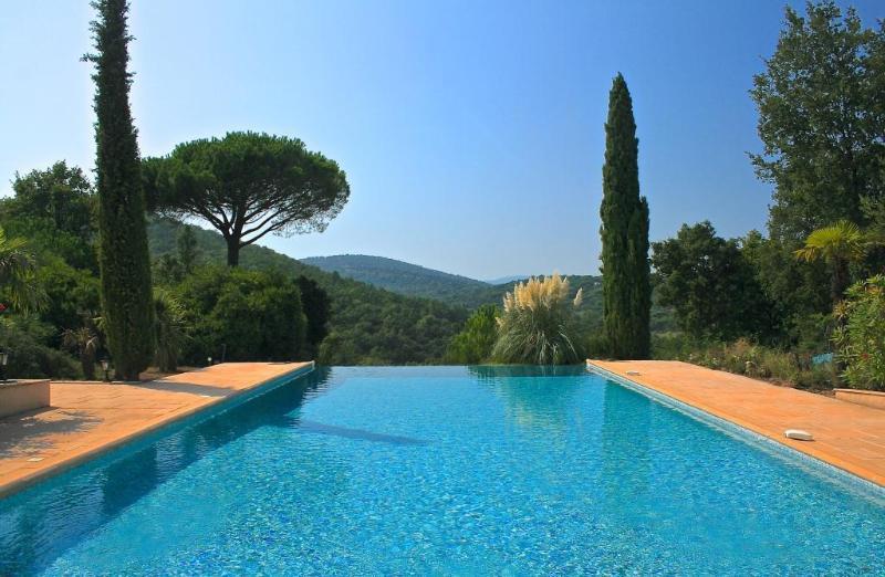 Grande piscina a sfioro 17 mtr X 7 mtr Lounge splendida terrazza vista