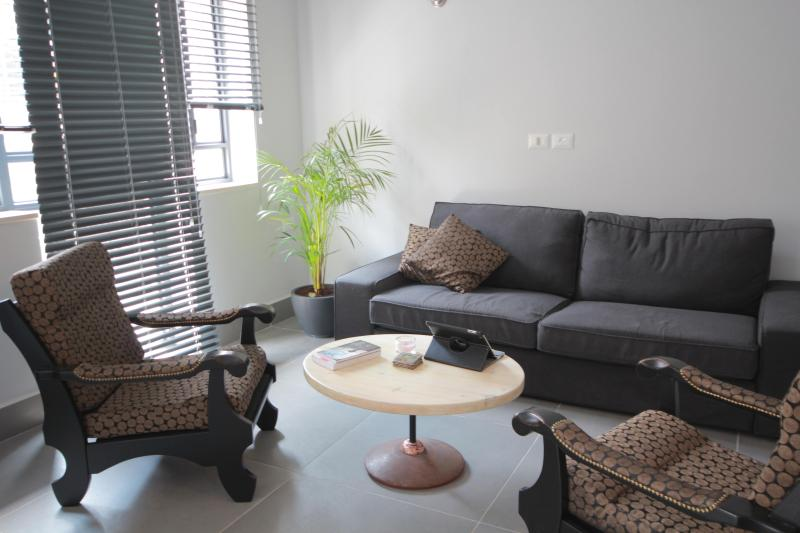 Downtown-Haifa, hip boutique apartment, location de vacances à District d'Haïfa