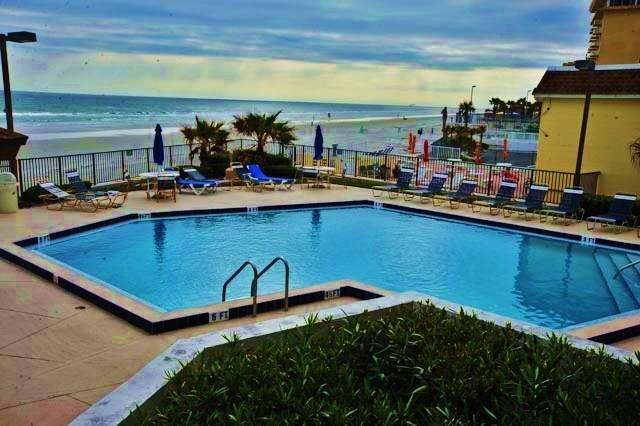 Your Model Oceanside Vacationers Dream., holiday rental in Daytona Beach