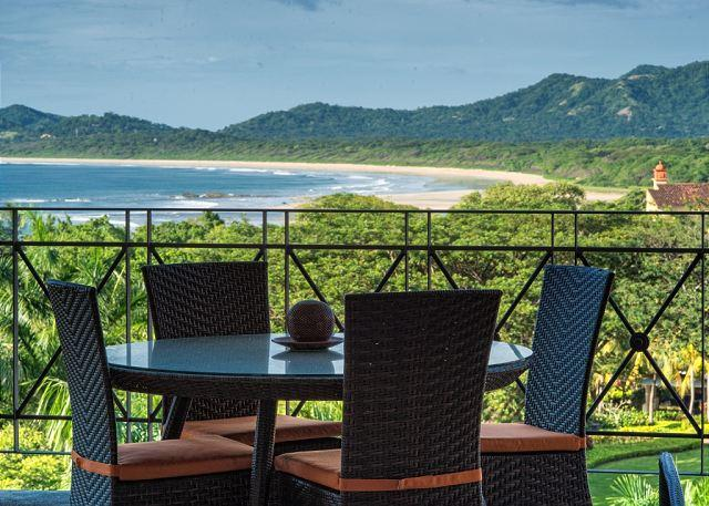 Incredible oceanfront 2 BDR property overlooking Tamarindo Bay MAT502, alquiler de vacaciones en Villarreal