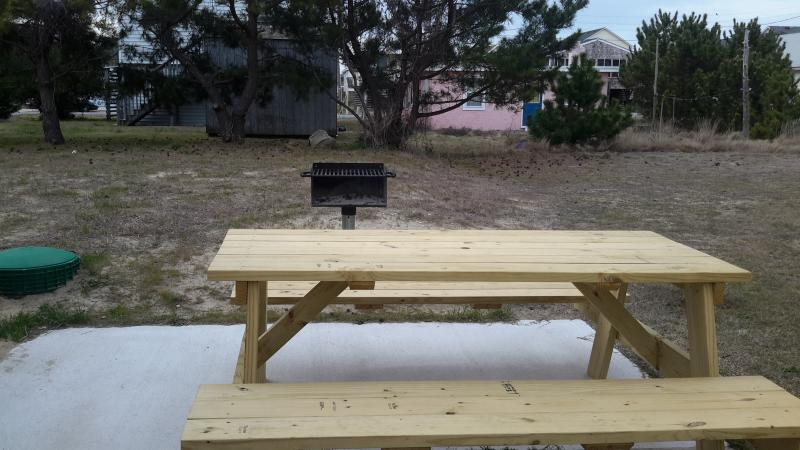 charcoal bbq and picnic table