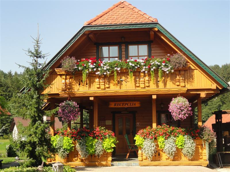 Apartments and wellness center Korošec GREEN apartment, vacation rental in Gornji Grad