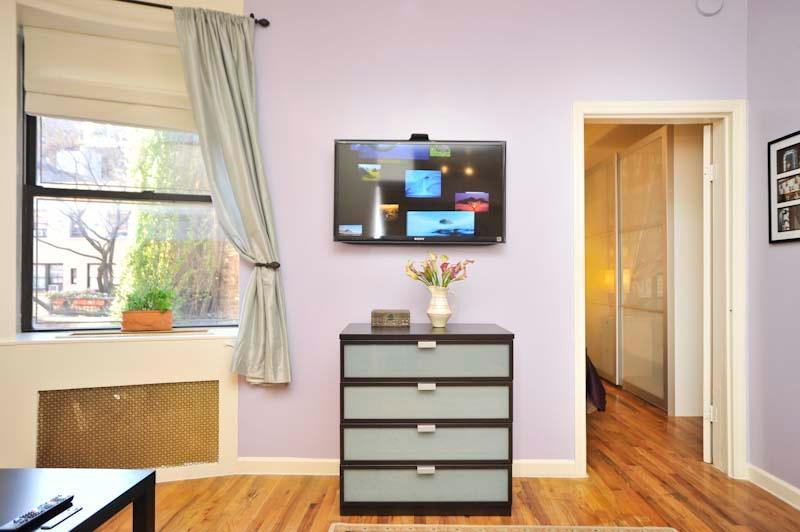 Living Area and Door to Bedroom