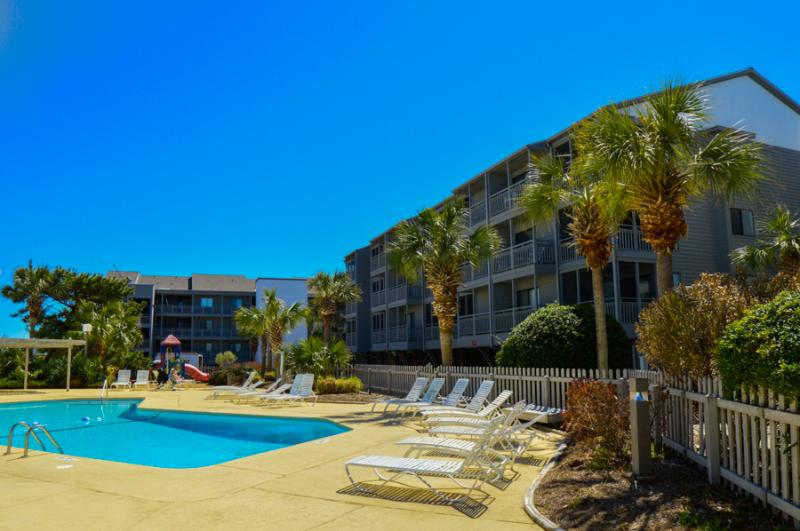 relax in a 3br near the beach w pool pelicans landing pl125 rh tripadvisor com