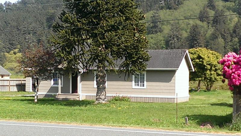 Redwood Creek Cottage Front