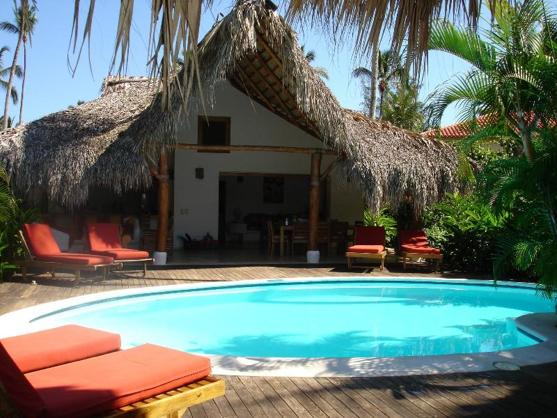 Romantic caribbean villa Lomacorazon, 65 mtr from the beach., aluguéis de temporada em Las Terrenas