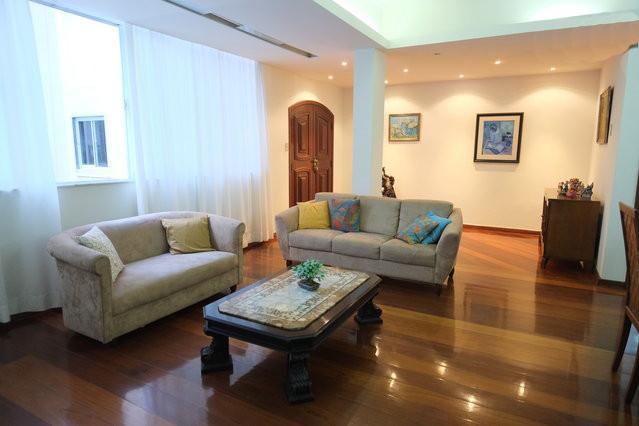 Amazing 3 bedroom apartment on Av. Atlântica, alquiler de vacaciones en Río de Janeiro
