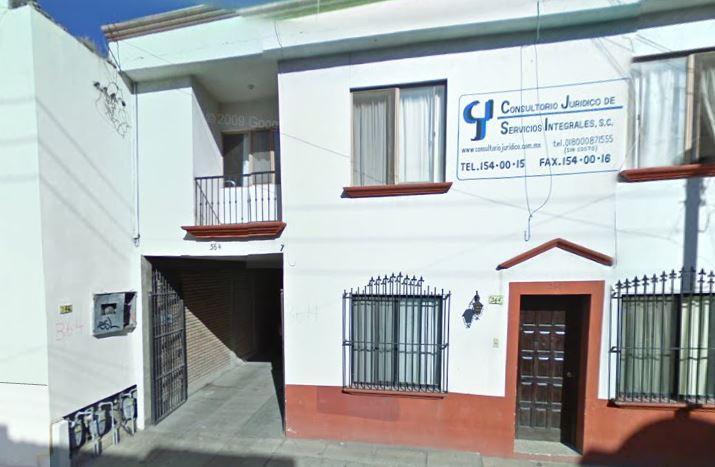 Nice spaces, 2-1/2 baths near downtown, 2 blocks f, alquiler vacacional en Saltillo