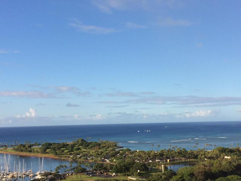 Ala Moana Condo - 1 Bdrm Ocean View - 24th Fl. !, vacation rental in Oahu