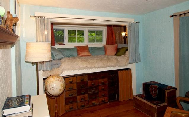 The Captains' Bed is elevated and comfortably sleeps 2; it's bigger than the photo shows.