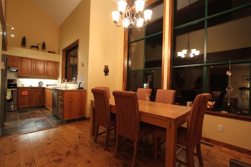 Dining table seats 8 in comfort