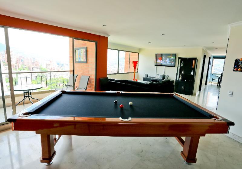 Fantastic Views, Modern Luxury, Best Location in Medellin, location de vacances à Medellin
