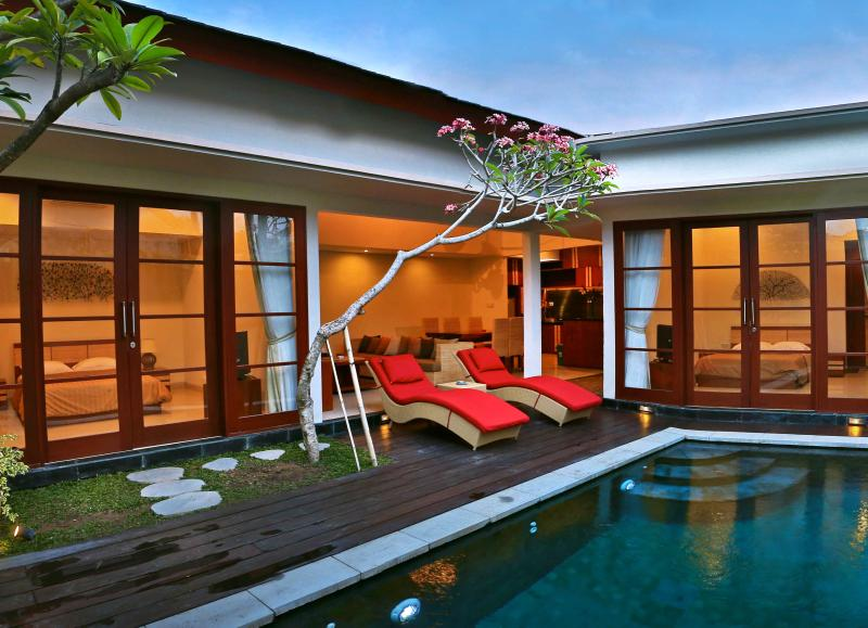 2 BR Joy Benoa Villa  Nusa Dua Bali -100m to beach, vacation rental in Tanjung Benoa