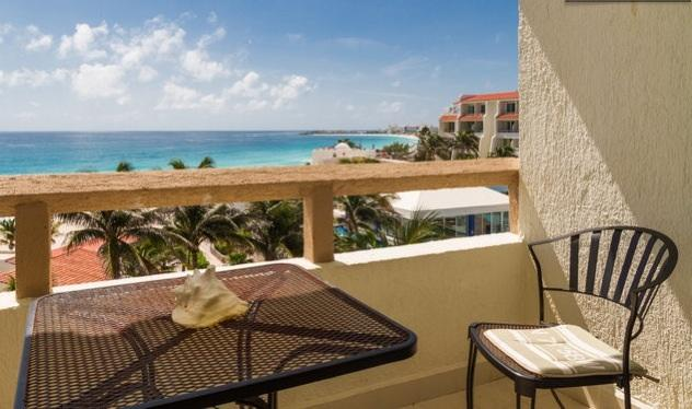 STUDIO FOR 2 ~ FABULOUS VIEW ~ HOTEL ZONE, holiday rental in Cancun