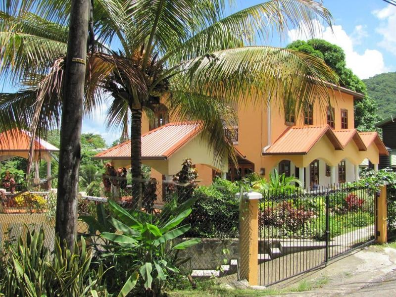 Pool, Walk To Water, Ginger Lily Apartment!, holiday rental in Anse La Raye
