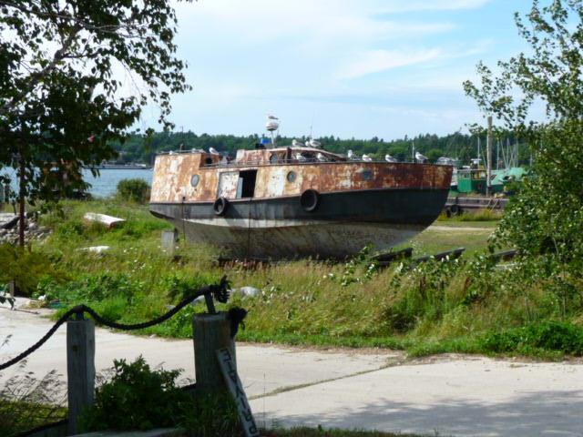 Sommige van de oude vissersboten op droogdok