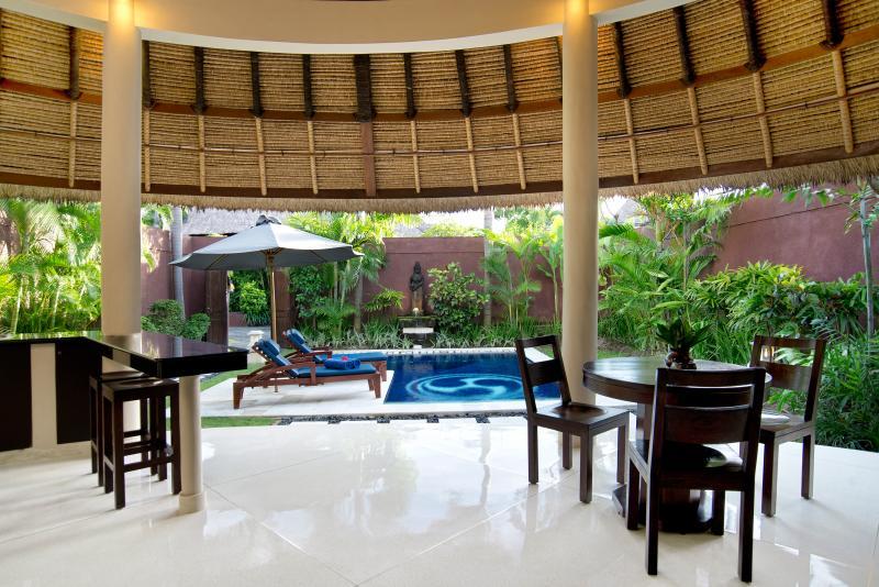 1 bedroom pool villa - dinning
