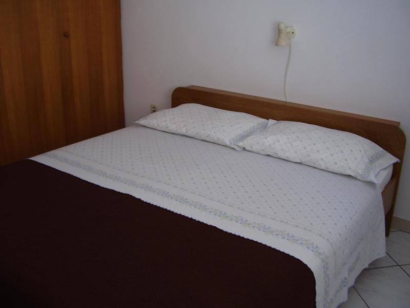 Apartments Perucic, vacation rental in Lumbarda