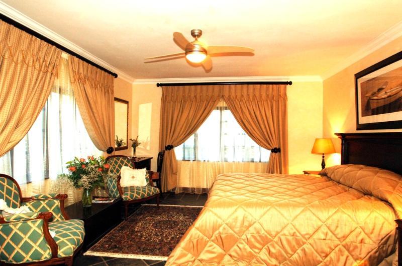 Johannesburg or Suite à Amber Rose