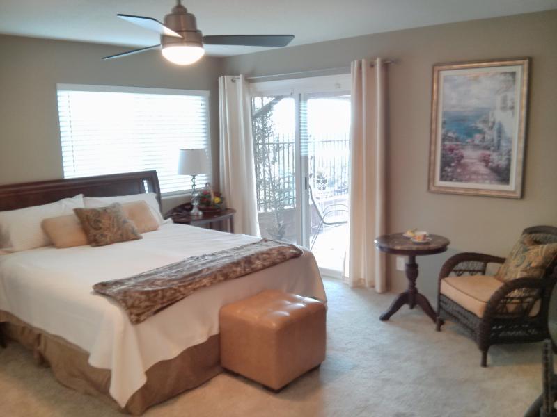 Camera da letto principale con letto King Cal
