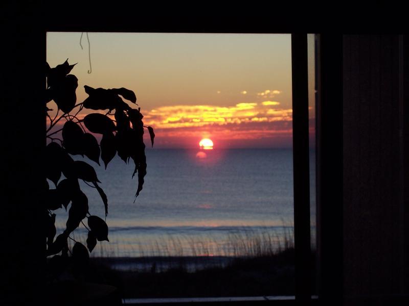 Fabulous View!  Carolina Beach Oceanfront Condo, vacation rental in Carolina Beach