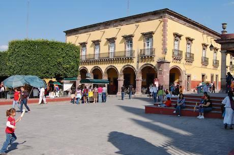 The Town Square/ Jardin.