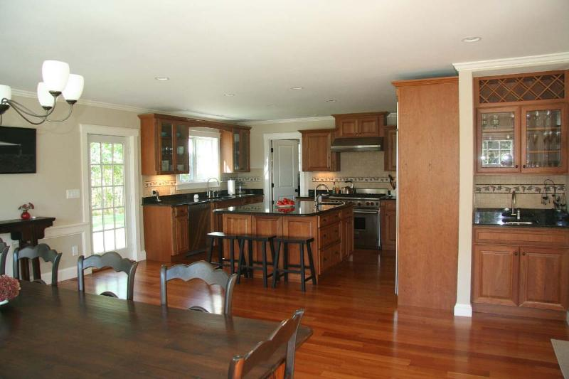 Dining area, kitchen and breakfast bar